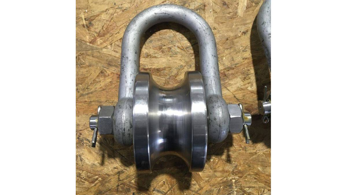 Guidewire shackle